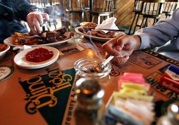 fumar-en-restaurant